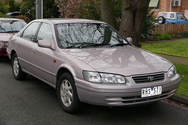 2001_Toyota_Camry